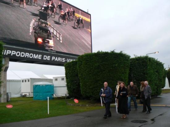 Dîner spectacle à l'hippodrome de Vincennes (1)