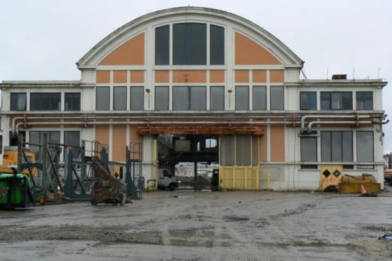 PCA.51- Le seul bâtiment rescapé Bt.01 Le parc acier
